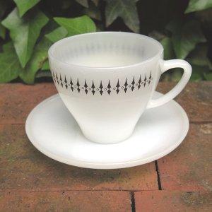 画像1: Tea cup and saucer from New Zealand
