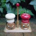 Wooden salt & pepper shaker