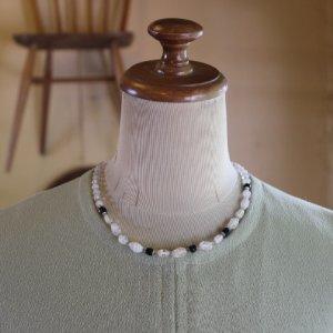 画像1: Vintage glass necklace from England