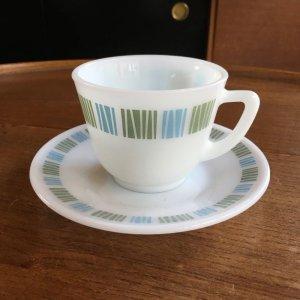 """画像1: JAJ/Pyrex """"Matchmaker"""" vintage tea cup and saucer"""