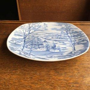 """画像3: Midwinter """"Happy Valley"""" plate designed by Jessie Tait"""