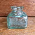 FIELD'S IN & GUM antique ink bottle