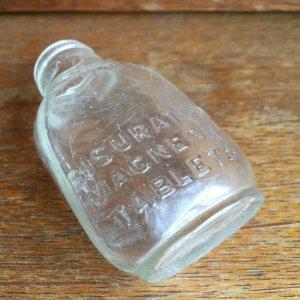 画像2: Bisurated Magnesia Tablets old glass bottle
