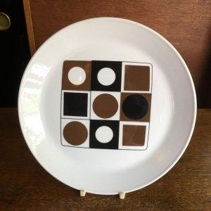 """画像1: Johnson Brothers """"Variations"""" cake plate designed by Barbara Brown"""