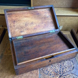 画像1: Antique wooden box