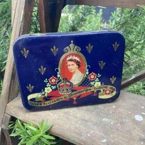 画像1: Queen Elizabeth II coronation tin by Cadbury chocolate